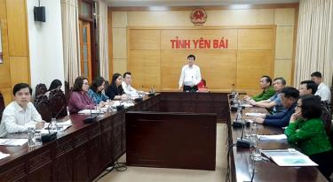 Vice Chairman of the provincial People's Committee Nguyen Chien Thang speaks at an online meeting reviewing the local administration work regarding foreign NGOs in 2020.