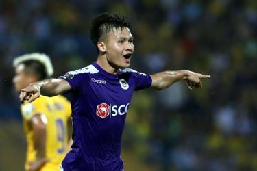 Quang Hải dập tắt hi vọng của đối thủ ngay trong hiệp 1 với một pha làm bàn đẳng cấp.