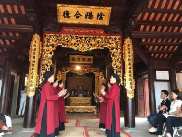 Hát xoan làng cổ dịp Lễ giỗ tổ Hùng Vương