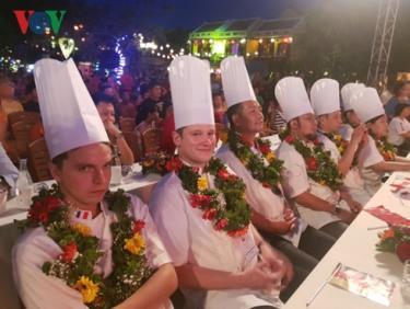 Các đầu bếp của 9 quốc gia và vùng lãnh thổ sẽ trổ tài làm món Cao lầu, đặc sản của Hội An.