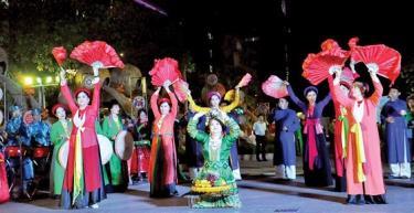 Một tiết mục trình diễn tại đêm khai mạc Festival nghệ thuật dân gian 2019