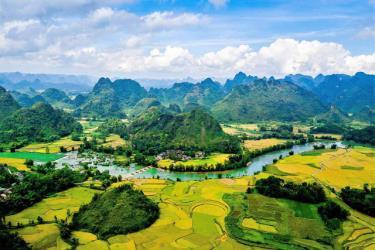Hội thảo nhằm đánh giá vai trò của danh hiệu Công viên địa chất (CVĐC) toàn cầu UNESCO trong việc thúc đẩy phát triển du lịch.