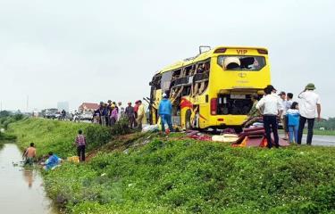 Hiện trường vụ tai nạn hôm 15/4 trên đoạn đường dẫn kết nối cao tốc Cầu Giẽ-Ninh Bình (thuộc địa phận xã Yên Bằng, huyện Ý Yên, Nam Định).