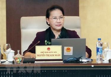 Chủ tịch Quốc hội Nguyễn Thị Kim Ngân điều hành bế mạc Phiên họp thứ 33 của Ủy ban Thường vụ Quốc hội.