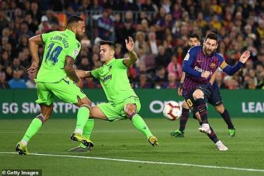 Messi rực sáng với bàn thắng duy nhất trận đấu ở phút 62