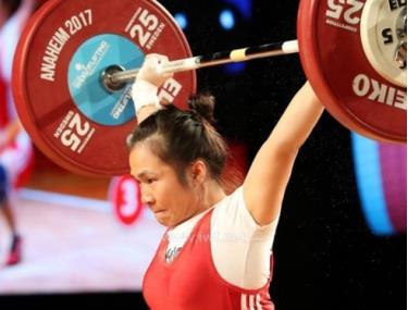 Đô cử Vương Thị Huyền vô địch châu Á hạng 45kg nữ.