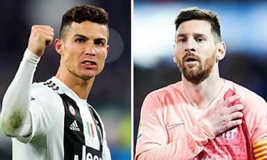 Ronaldo chạm mốc 600 bàn, nhưng đang bị Messi thu hẹp khoảng cách.