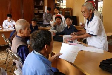 Người dân xã Khánh Thiện, huyện Lục Yên luôn thực hiện tốt các chủ trương của Đảng, chính sách pháp luật của Nhà nước.
