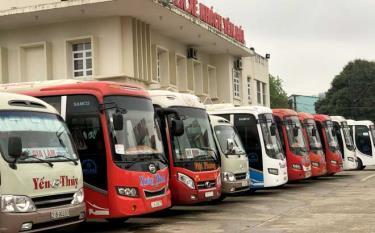 Vehicles remain at Yen Bai bus station