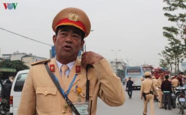 Công an và Sở GTVT lập 30 chốt trực giám sát người và phương tiện kinh doanh vào thành phố Hà Nội từ tối nay (2/4).
