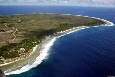 Phía đông đảo Nauru nhìn từ trên không.