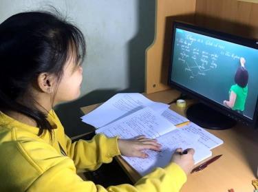 Yên Bái triển khai thực hiện dạy trực tuyến.