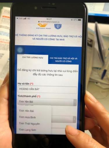 Người hưởng lương hưu, trợ cấp bảo hiểm xã hội cần cung cấp thông tin địa chỉ trước ngày 15/4/2020, bằng cách  truy cập vào website http://ansinhxahoi.vnpost.vn.