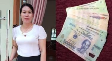 Chị Lê Kim Anh, thôn Tiền Phong, xã Minh Quân, huyện Trấn Yên cùng số tiền 7 triệu đồng nhặt được đã trả lại cho người đánh mất.
