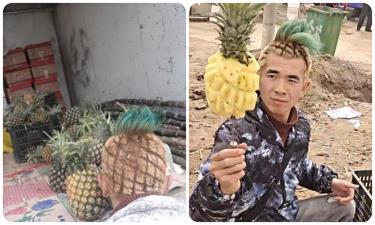 Anh chàng nhuộm xanh chùm tóc trên đỉnh đầu, phần thân nhuộm vàng tỉa thành từng ô trông y hệt quả dứa thật.
