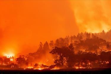 Miền Tây nước Mỹ đối mặt với cảnh báo nguy cơ cháy rừng khắc nghiệt hơn trong mùa cháy năm nay.
