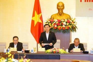Ông Vương Đình Huệ - chủ tịch Quốc hội, chủ tịch Hội đồng bầu cử quốc gia - phát biểu kết luận phiên họp