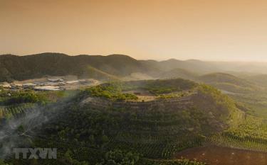 Núi lửa Băng Mo, thị trấn Ea T'ling, huyện Cư Jút, tỉnh Đắk Nông.