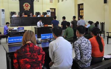 Một phiên tòa xét xử tại Tòa án nhân dân tỉnh.