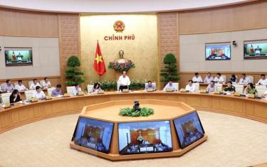 Bộ trưởng, Chủ nhiệm Văn phòng Chính phủ Mai Tiến Dũng phát biểu.
