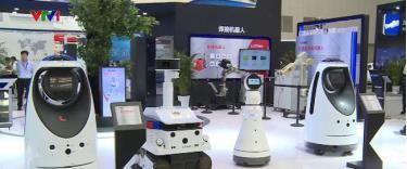 Các robot tại Hội nghị Trí tuệ nhân tạo thế giới lần thứ ba.