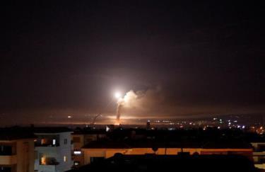 Một vụ tấn công bằng tên lửa của Israel vào lãnh thổ Syria hồi năm ngoái (Ảnh minh họa: Reuters)