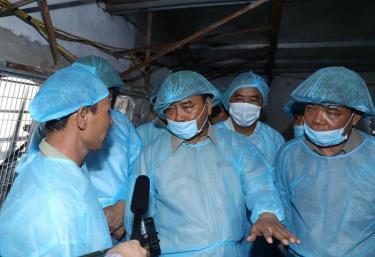Sáng 19/5, Thủ tướng Nguyễn Xuân Phúc đi kiểm tra tình hình phòng, chống dịch tả lợn châu Phi tại xã Tiên Dương, huyện Đông Anh, thành phố Hà Nội.