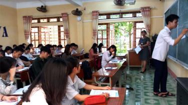Học sinh lớp 12, Trường THPT Chu Văn An ôn tập chuẩn bị cho Kỳ thi THPT quốc gia năm 2019.