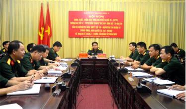 Các đại biểu dự Hội nghị tại điểm cầu Bộ Chỉ huy quân sự tỉnh.