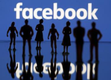 Nhiều người tại hàng triệu tài khoản cùng lúc trên Facebook.