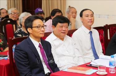 Phó Thủ tướng Chính phủ Vũ Đức Đam và các đại biểu tại buổi lễ.
