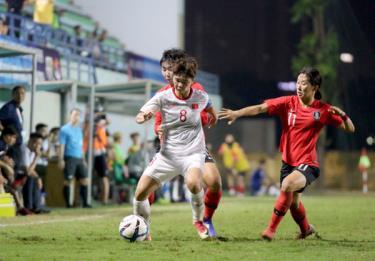 U19 nữ Việt Nam giành vé vào VCK Giải vô địch bóng đá U19 nữ châu Á 2019 dù thua U19 nữ Hàn Quốc.