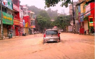 Người dân ở khu vực trũng cần chú ý phòng tránh ngập lụt.