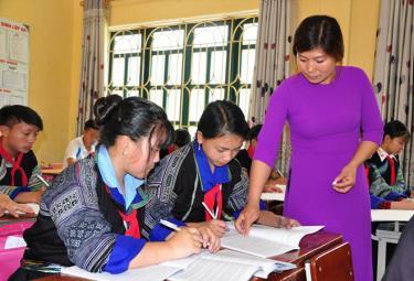 Yên Bái đang tích cực triển khai chương trình giáo dục phổ thông mới, theo đó giáo dục hướng nghiệp được thực hiện thường xuyên và liên tục, thông qua tất cả các môn học, các hoạt động giáo dục.