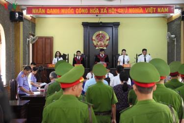 Ngày 15/10/2019, Tòa án nhân dân tỉnh Sơn La đã mở phiên tòa xét xử 8 bị cáo về tội Lợi dụng chức vụ, quyền hạn trong thi hành công vụ.