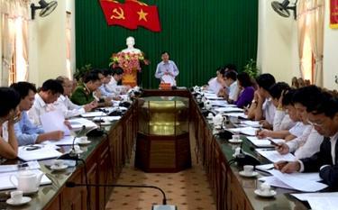 Đồng chí Nguyễn Văn Lịch - Ủy viên Ban Thường vụ, Trưởng ban Nội chính Tỉnh ủy phát biểu tại buổi làm việc với lãnh đạo chủ chốt huyện Trấn Yên về công tác nội chính và PCTN. (Ảnh minh họa)