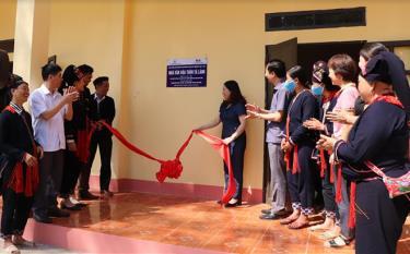 Công trình Nhà văn hóa thôn Tà Lành, xã Nậm Lành, huyện Văn Chấn khánh thành đúng vào dịp Kỷ niệm 130 năm Ngày sinh Chủ tịch Hồ Chí Minh.