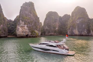 Du ngoạn vịnh Hạ Long với du thuyền