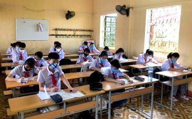 Từ ngày 11/5, học sinh không bắt buộc đeo khẩu trang trong lớp học và trong giờ thể dục. (Ảnh Minh Huyền)