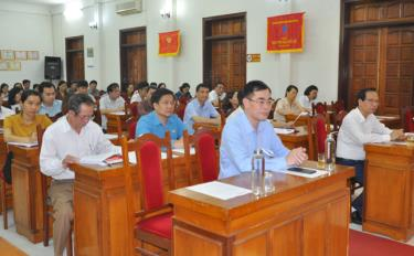 Cán bộ, đảng viên thuộc Đảng ủy Khối Cơ quan và Doanh nghiệp tỉnh tham dự Hội nghị trực tuyến quán triệt, học tập Nghị quyết Đại hội lần thứ XIII của Đảng.