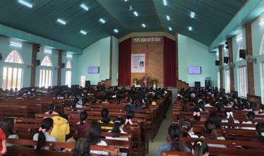 Nhà thờ Plei Mơ nú- điểm sinh hoạt tin lành được cấp phép tại TP. Pleiku, Gia Lai.