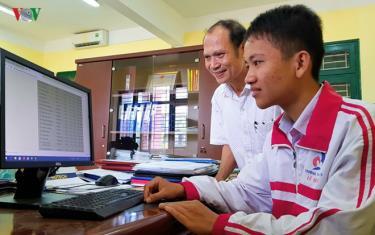 Em Thái Xuân Đăng vui mừng khi biết mình đạt huy chương bạc kỳ thi Olympic tin học Châu Á- Thái Bình Dương năm 2019.