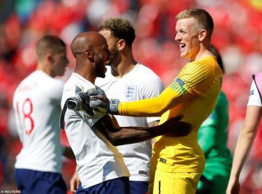 Pickford đã giúp tuyển Anh giành chiến thắng