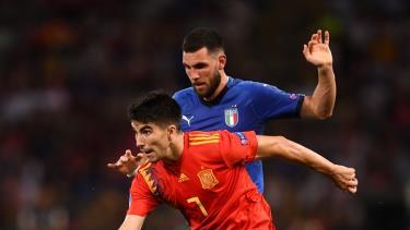 U21 Italia (áo xanh) hạ U21 Tây Ban Nha ngày khai màn U21 châu Âu.
