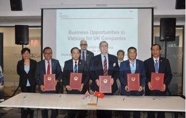 Lễ kỹ MoU hợp tác giữa Hiệp hội doanh nghiệp Anh tại Việt Nam với Cục Ngoại vụ, Bộ Ngoại giao và các tỉnh Lạng Sơn, Yên Bái và Đắk Lắk.