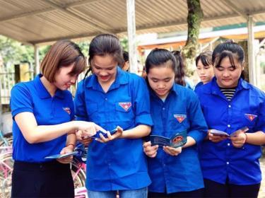 Tuổi trẻ huyện Văn Chấn tích cực tuyên truyền về phòng chống tệ nạn ma túy trên địa bàn.