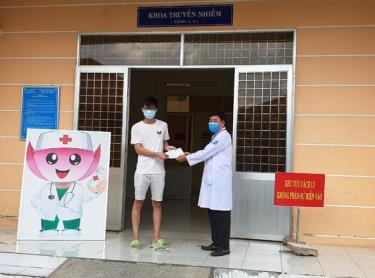 Bệnh nhân thứ 316 được Bệnh viện Đa khoa Sa Đéc công bố khỏi bệnh Covid-19
