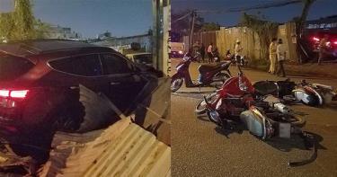 Hàng loạt phương tiện bị hư hỏng nặng - Ảnh: PLO