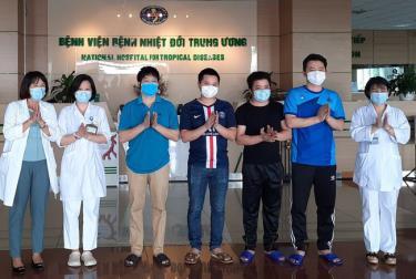 Các bệnh nhân mắc COVID-19 được Bệnh viện Bệnh Nhiệt đới Trung ương công bố khỏi bệnh ngày 2/6.