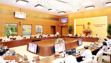 Quang cảnh một phiên họp của Ủy ban Thường vụ Quốc hội.